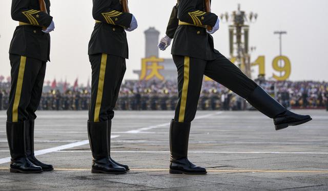 Sức mạnh quân đội Trung Quốc trong bước ngoặt hối thúc ngân sách lớn hơn - Ảnh 1.
