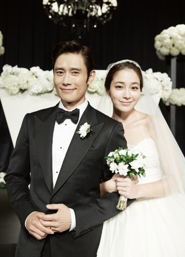 Lee Byung Hun: Tài tử khiến Song Hye Kyo và dàn nữ thần yêu điên dại, đầy bê bối tình dục và cú lột xác nhờ minh tinh tài phiệt - Ảnh 14.