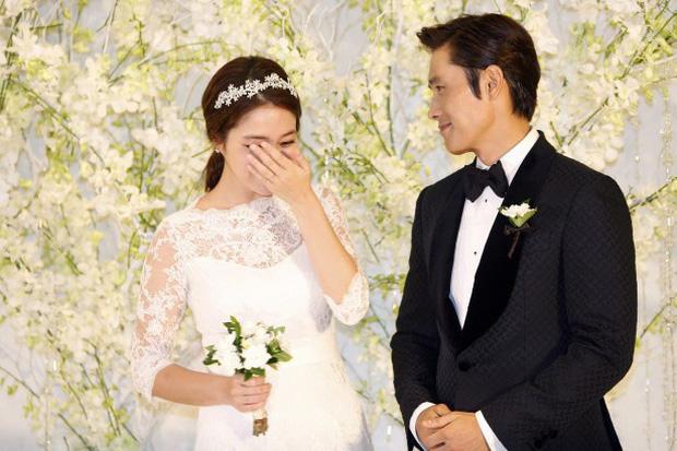 Lee Byung Hun: Tài tử khiến Song Hye Kyo và dàn nữ thần yêu điên dại, đầy bê bối tình dục và cú lột xác nhờ minh tinh tài phiệt - Ảnh 16.