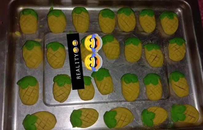 Bánh quy lấy cảm hứng từ trend 'Đưa tay đây nào, mãi bên nhau bạn nhớ' và loạt tác phẩm bếp núc vô phương cứu chữa - ảnh 3