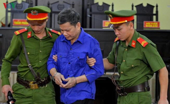 Những thỏa thuận tiền tỷ vụ nâng điểm thi ở Sơn La đã được làm rõ - Ảnh 2.