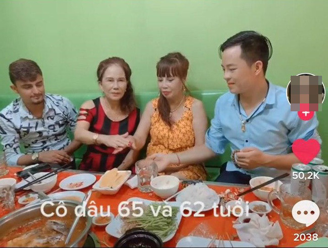 Cô dâu 62 tuổi cùng chồng trẻ lặn lội vào Đồng Nai gặp cô dâu 65 tuổi, giãi bày cách vượt dư luận và giữ hạnh phúc - Ảnh 4.