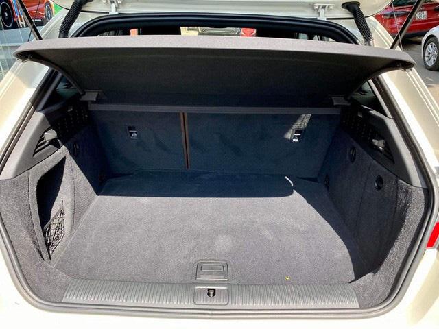 Chạy chỉ 5.800km/năm, hàng hiếm Audi A3 hatchback vẫn mất giá rẻ ngang Mazda3 2020 - Ảnh 5.