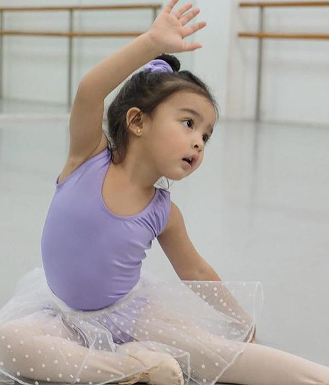 Con gái mỹ nhân đẹp nhất Philippines: 5 tuổi trở thành nữ hoàng quảng cáo, biết 2 ngoại ngữ, ấn tượng nhất khả năng làm toán do mẹ đích thân dạy - Ảnh 8.