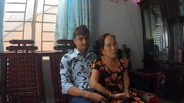 Cô dâu 62 tuổi cùng chồng trẻ lặn lội vào Đồng Nai gặp cô dâu 65 tuổi, giãi bày cách vượt dư luận và giữ hạnh phúc - Ảnh 9.