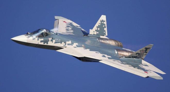 Su-57 Nga vượt cửa ải đầu tiên đầy ngoạn mục: Đã lâm trận ở Syria, khách hàng còn chờ gì? - Ảnh 1.