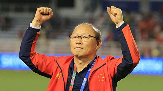 Báo Hàn Quốc nói điều bất ngờ về thu nhập của HLV Park Hang-seo - Ảnh 1.