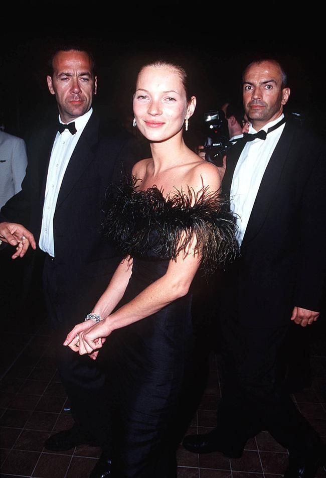 72 mùa Cannes đã trôi qua nhưng đây vẫn mãi là những bức ảnh huyền thoại để nhớ về màn đọ hương sắc lụa là kinh diễm trên thảm đỏ - Ảnh 12.