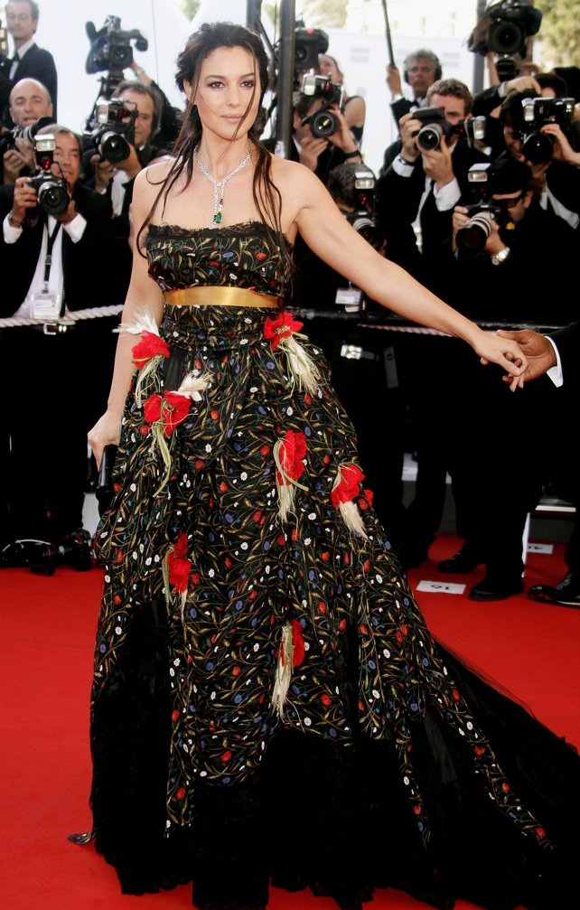 72 mùa Cannes đã trôi qua nhưng đây vẫn mãi là những bức ảnh huyền thoại để nhớ về màn đọ hương sắc lụa là kinh diễm trên thảm đỏ - Ảnh 13.