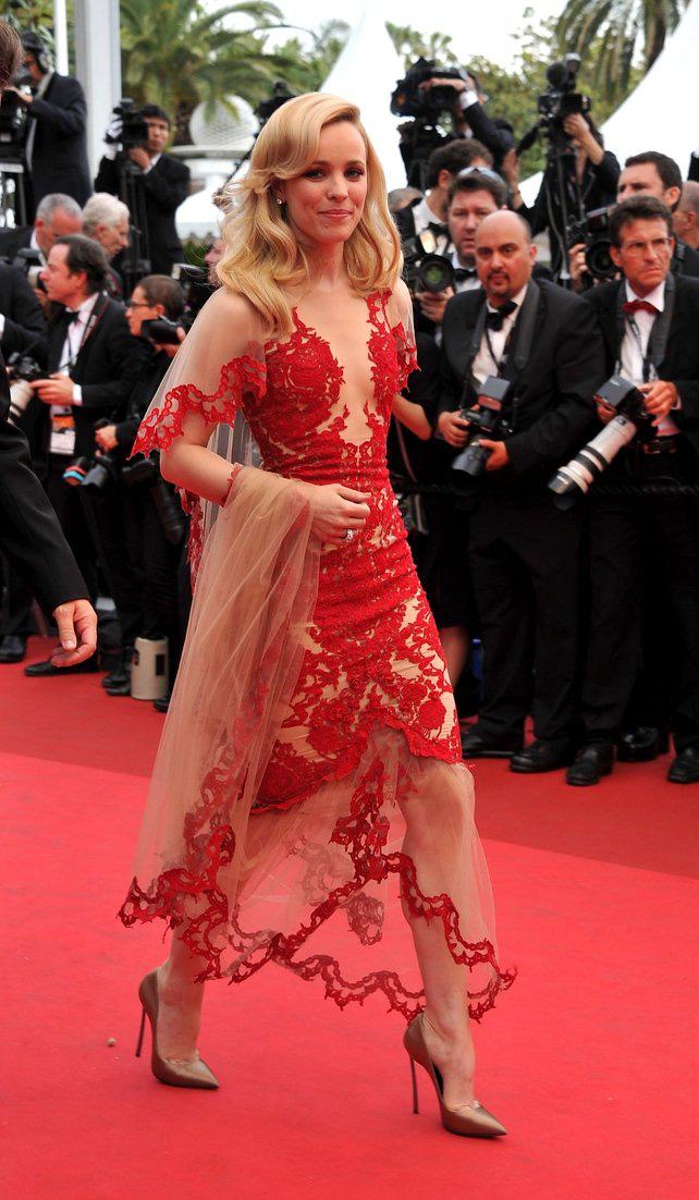 72 mùa Cannes đã trôi qua nhưng đây vẫn mãi là những bức ảnh huyền thoại để nhớ về màn đọ hương sắc lụa là kinh diễm trên thảm đỏ - Ảnh 17.