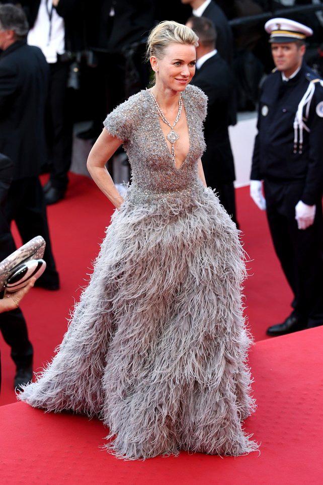 72 mùa Cannes đã trôi qua nhưng đây vẫn mãi là những bức ảnh huyền thoại để nhớ về màn đọ hương sắc lụa là kinh diễm trên thảm đỏ - Ảnh 18.