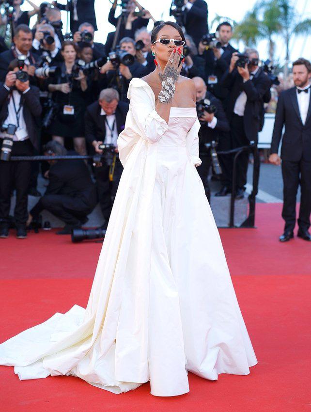 72 mùa Cannes đã trôi qua nhưng đây vẫn mãi là những bức ảnh huyền thoại để nhớ về màn đọ hương sắc lụa là kinh diễm trên thảm đỏ - Ảnh 23.