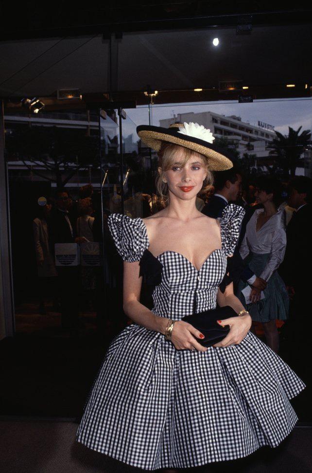 72 mùa Cannes đã trôi qua nhưng đây vẫn mãi là những bức ảnh huyền thoại để nhớ về màn đọ hương sắc lụa là kinh diễm trên thảm đỏ - Ảnh 9.