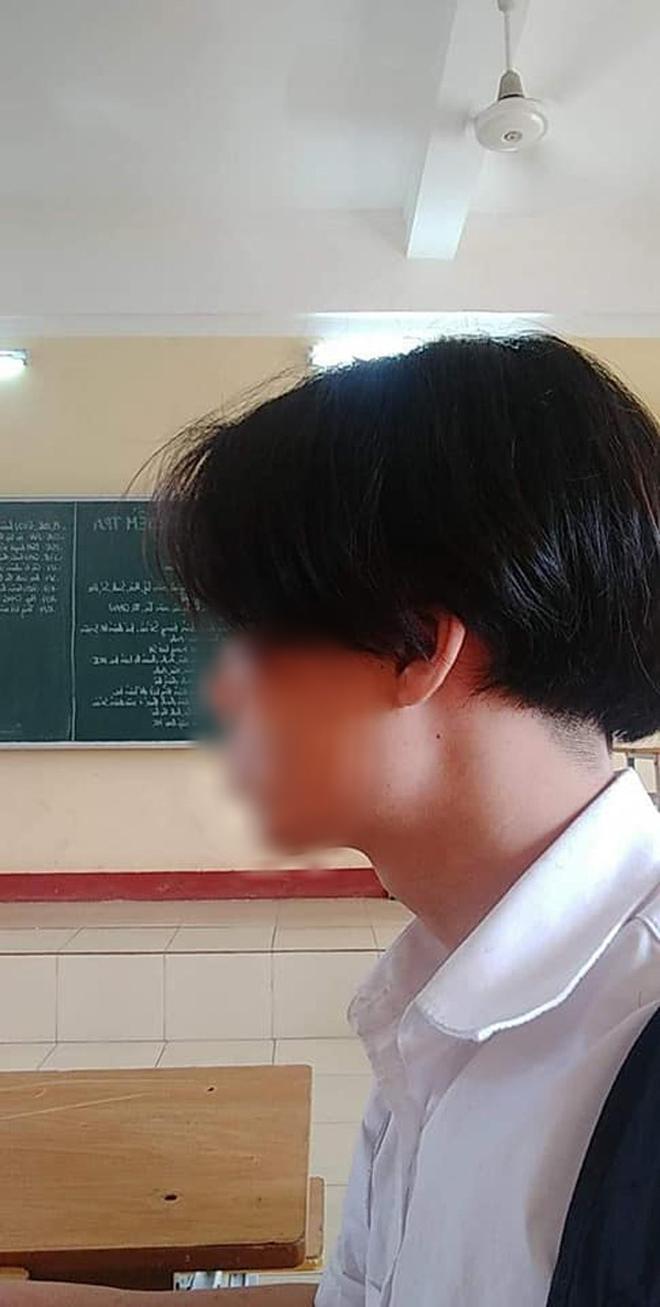Xôn xao nam sinh Hải Phòng bị đình chỉ học vì để tóc dài: Đại diện nhà trường lên tiếng đầy bất ngờ - Ảnh 2.