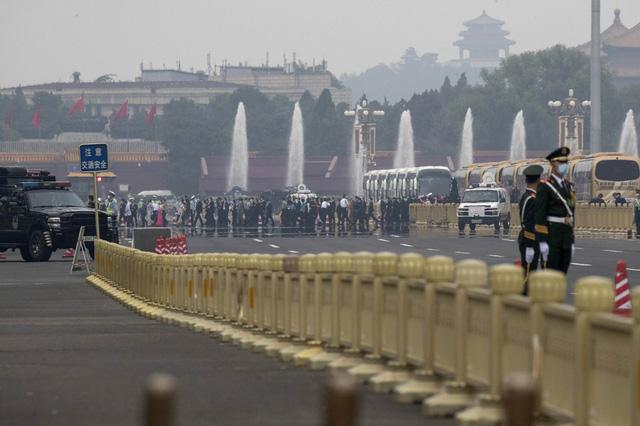 Trung Quốc mở màn lưỡng hội sau hai tháng trì hoãn - Ảnh 3.