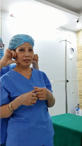 Cô dâu 62 tuổi tiếp tục đụng chạm dao kéo để trẻ trung như gái 18, nhìn gương mặt hậu phẫu thuật nhiều người không khỏi hoảng hốt - Ảnh 4.