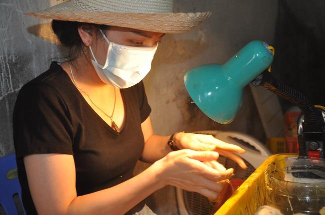 Nghề lạ mỗi ngày kiếm cả triệu đồng nhưng luôn khát người làm ở Hà Nội - Ảnh 5.