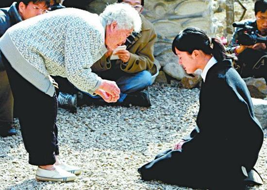 Mỹ nhân Mối tình đầu Lee Seung Yeon: Nàng Á hậu từng làm điên đảo cả Châu Á cuối cùng ngậm đắng nuốt cay vì scandal chấn động, quỳ gối cầu xin cũng không được tha thứ  - Ảnh 6.