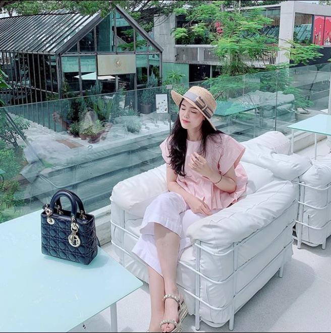 Vừa tiết lộ doanh thu 1 tháng gần 2 tỷ, bà bầu 9X Quỳnh Anh - vợ cầu thủ Duy Mạnh đã mạnh tay sắm cả núi đồ hiệu - ảnh 6