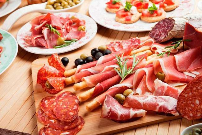 Bất kể nam hay nữ, trên 45 tuổi hãy tránh xa 3 loại thực phẩm, không làm 2 việc để ngừa nhồi máu não và giúp sống thọ - Ảnh 2.