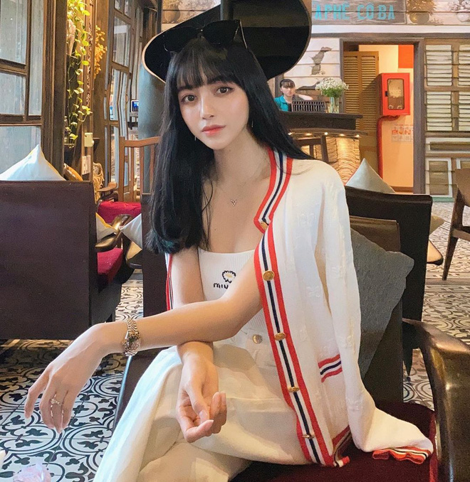 Fan hỏi Trang Anna đáp: Một lần đi bar nhiều nhất hết 140 triệu, vòng một có sẵn rồi nên chỉ sửa mũi làm răng thôi - Ảnh 2.