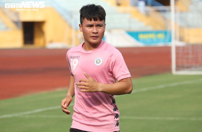 Huấn luyện viên Hà Nội FC không bình chọn Quả bóng Vàng cho Quang Hải - Ảnh 1.