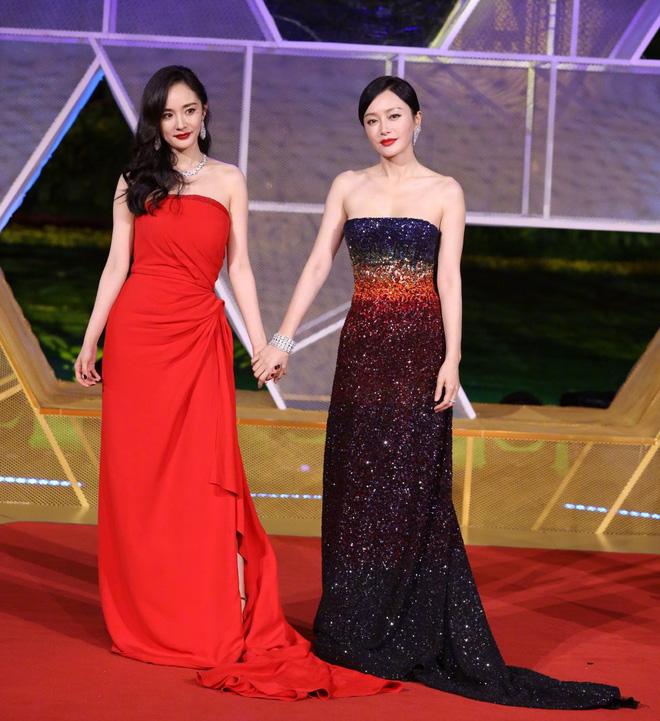 Những nàng công chúa Cbiz chung khung hình: Angela Baby - Nhiệt Ba chấp cả dàn mỹ nhân, Lưu Diệc Phi khiến fan ngã ngửa - Ảnh 12.