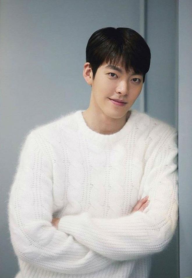 Ngỡ ngàng 10 sự thật về dàn tài tử hot nhất xứ Hàn: Song Joong Ki từng trộm đồ, Lee Jong Suk là song trùng của mỹ nhân đẹp nhất thế giới? - Ảnh 18.