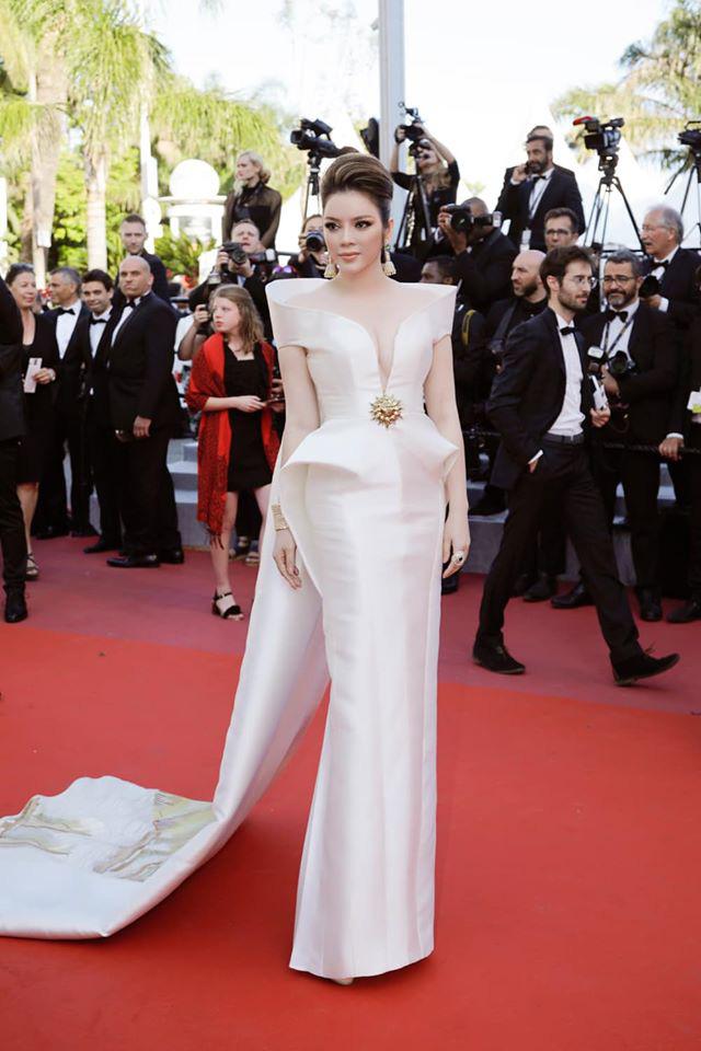 Lý Nhã Kỳ và những lần càn quét thảm đỏ Cannes: Đẳng cấp chẳng kém sao quốc tế, gây sốt nhất là màn đọ sắc bên Phạm Băng Băng - Ảnh 5.
