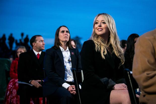 Con gái út cực phẩm nhưng kín tiếng của ông Trump: Tốt nghiệp trường luật, xử lý khéo quan hệ gia đình và tham vọng bước vào đế chế kinh doanh - Ảnh 3.
