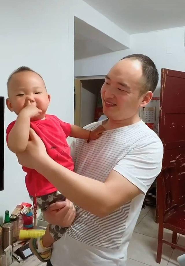 Bố đưa con trai đi xét nghiệm ADN nhưng lập tức bị mời về, nguyên nhân khiến ai nấy phì cười - Ảnh 4.