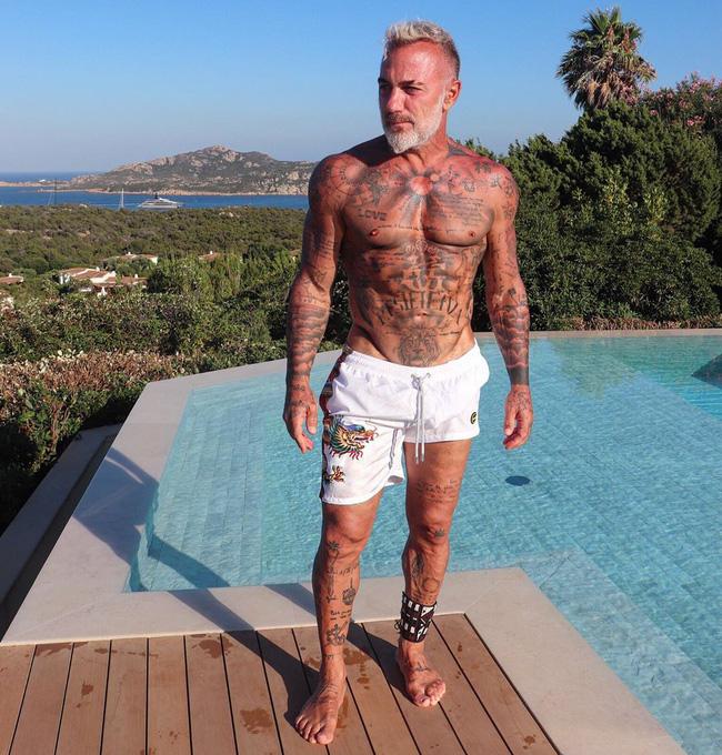 Đã giàu có, người tình triệu phú hơn 27 tuổi của chân dài Venezuela còn sở hữu thân hình quyến rũ cùng ánh nhìn mê đắm - Ảnh 4.