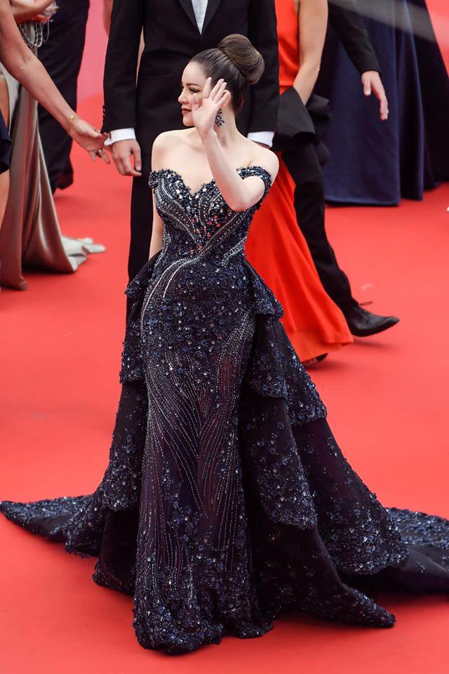 Lý Nhã Kỳ và những lần càn quét thảm đỏ Cannes: Đẳng cấp chẳng kém sao quốc tế, gây sốt nhất là màn đọ sắc bên Phạm Băng Băng - Ảnh 8.
