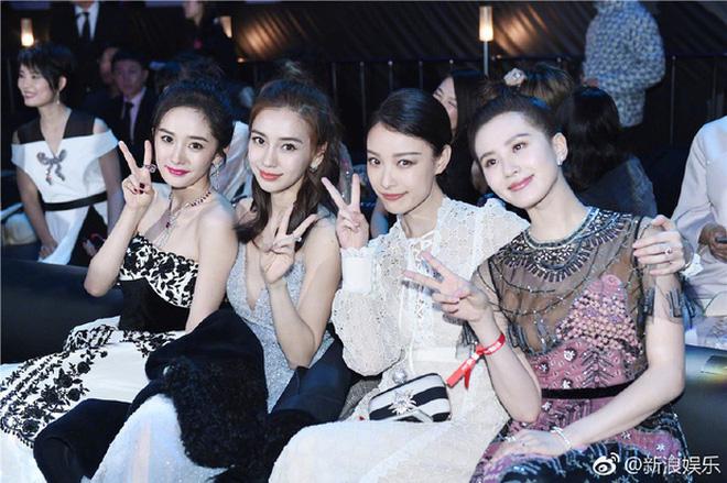 Những nàng công chúa Cbiz chung khung hình: Angela Baby - Nhiệt Ba chấp cả dàn mỹ nhân, Lưu Diệc Phi khiến fan ngã ngửa - Ảnh 6.