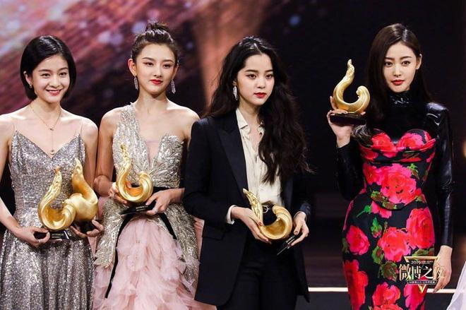 Những nàng công chúa Cbiz chung khung hình: Angela Baby - Nhiệt Ba chấp cả dàn mỹ nhân, Lưu Diệc Phi khiến fan ngã ngửa - Ảnh 8.