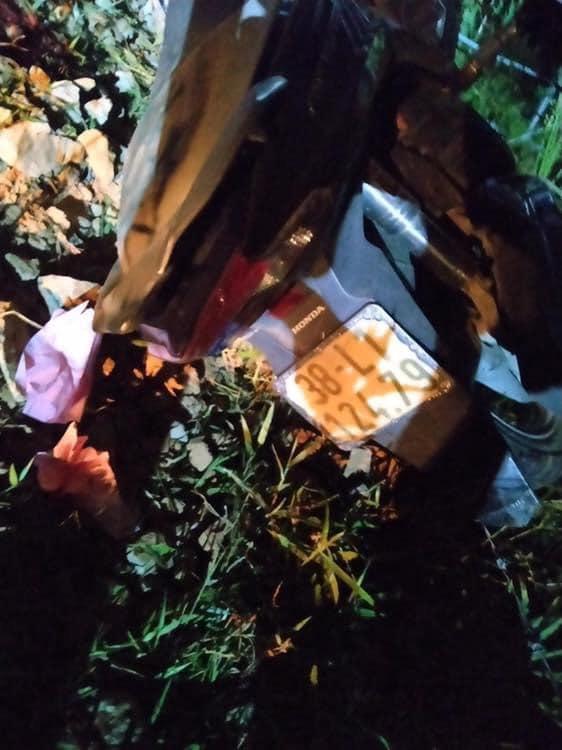 2 thiếu niên 15 tuổi đâm xe tốc độ cao vào cột mốc đường tử vong - Ảnh 2.