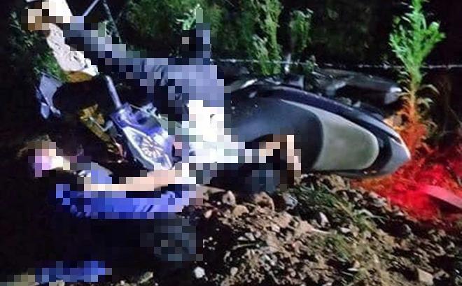 2 thiếu niên 15 tuổi đâm xe tốc độ cao vào cột mốc đường tử vong