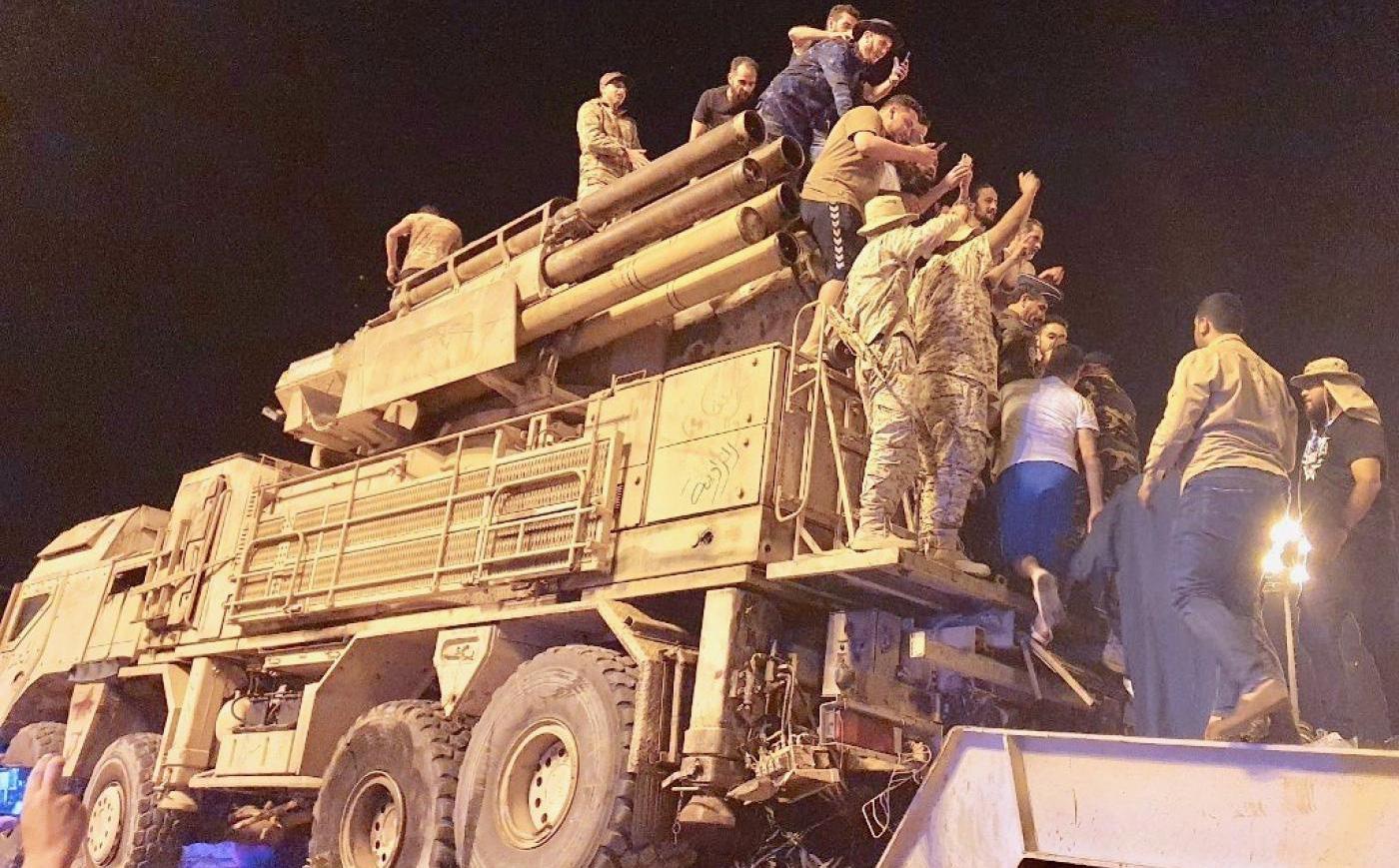 Lính đánh thuê Nga tháo chạy khỏi căn cứ chiến lược ở Libya: Tướng Haftar ''thất thủ''?