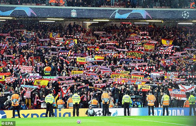 Liều lĩnh cho khán giả vào sân, đại chiến Liverpool vs Atletico khiến 41 người thiệt mạng - Ảnh 1.