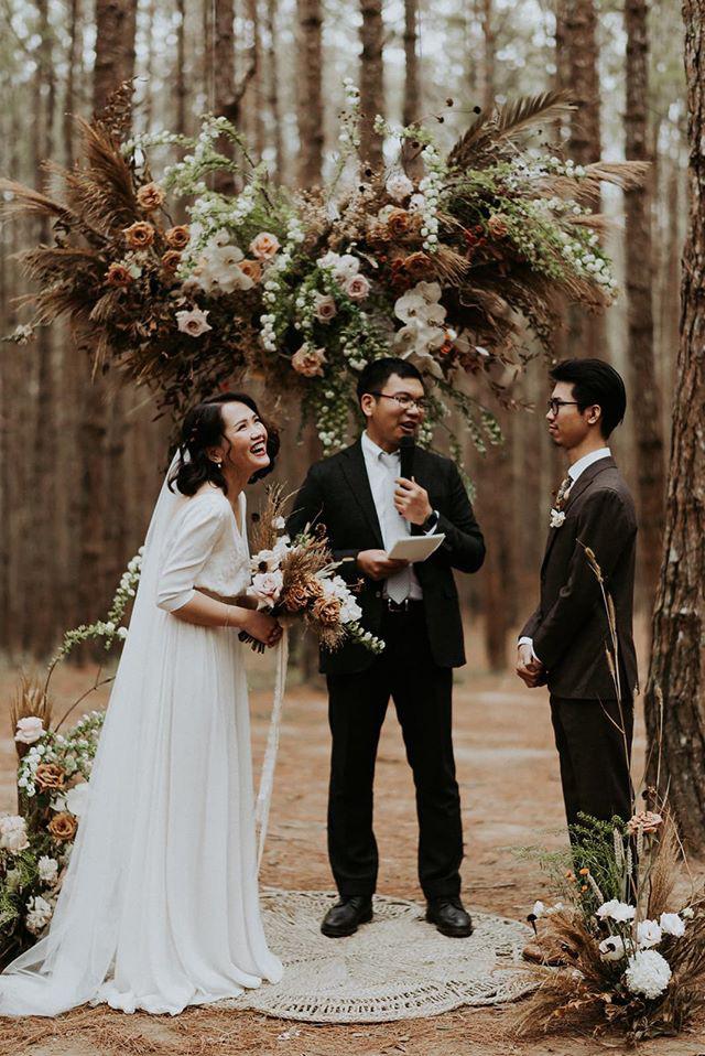 Đám cưới đặc biệt như phim của cô dâu nhà nghề ở Đà Lạt: Chỉ có 50 khách mời, không chụp trước hình cưới và thật nhiều nước mắt - Ảnh 6.