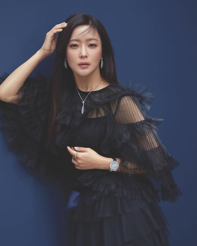 Kim Hee Sun - Người phụ nữ duy nhất tự tin khẳng định đẹp hơn Kim Tae Hee - ảnh 4