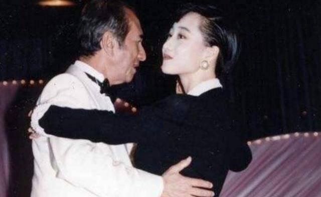 Người tình Hoa hậu từng được vua sòng bài Macau yêu say đắm: Bị chính thất đánh ghen hội đồng, chỉ  được yên khi trở thành vợ Lý Liên Kiệt? - Ảnh 7.
