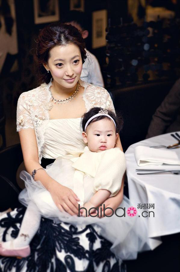 Kim Hee Sun - Người phụ nữ duy nhất tự tin khẳng định đẹp hơn Kim Tae Hee - ảnh 8