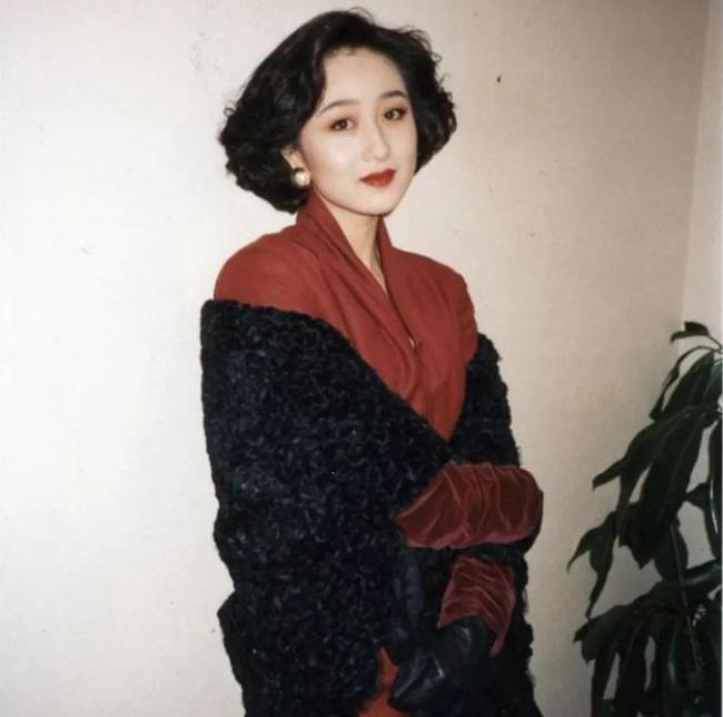 Người tình Hoa hậu từng được vua sòng bài Macau yêu say đắm: Bị chính thất đánh ghen hội đồng, chỉ  được yên khi trở thành vợ Lý Liên Kiệt? - Ảnh 10.