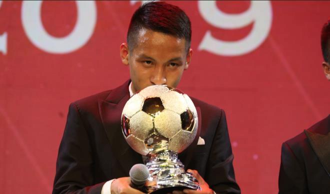 3 yếu tố giúp Hùng Dũng vượt Quang Hải, giành Quả bóng Vàng Việt Nam 2019 - Ảnh 4.