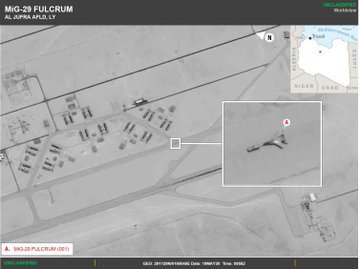 Chiến hạm Mỹ chạy hết tốc lực truy đuổi tàu dầu Iran - KQ Mỹ đánh chặn, làm lộ đội hình chiến đấu cơ Nga tới Libya - Ảnh 1.