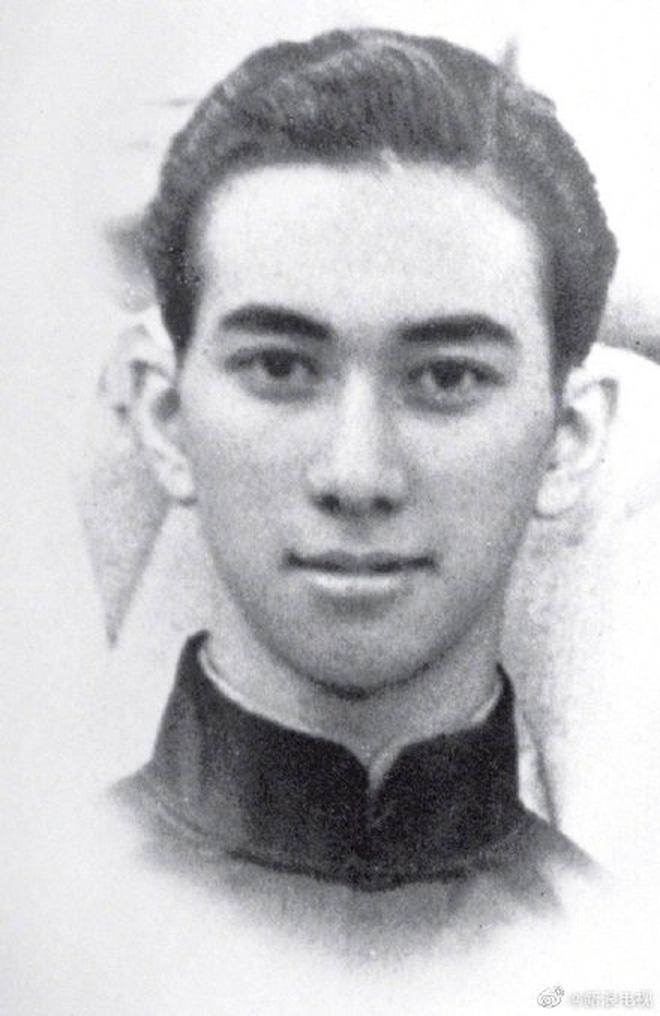Những chuyện ít ai biết về truyền kỳ vua sòng bài Macau Hà Hồng Sân: Là anh em họ với Lý Tiểu Long, đến biển số xe cũng đặc biệt hơn người - Ảnh 3.
