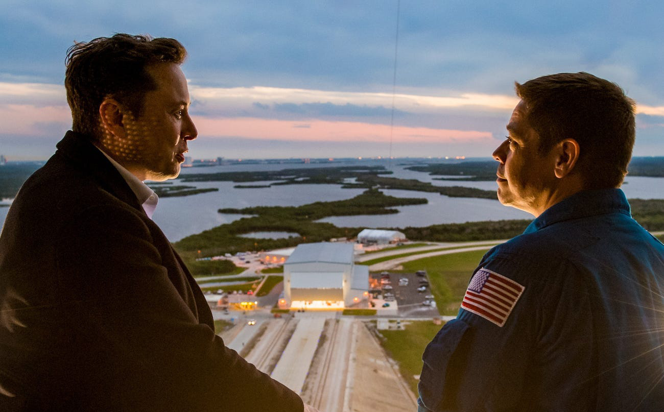 Elon Musk: 'Nếu nhiệm vụ đưa người lên vũ trụ thành công, đó là công lao của mọi người. Còn nếu thất bại, đó là lỗi của tôi!'