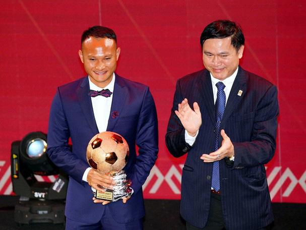 Trọng Hoàng chia sẻ về danh hiệu Quả bóng Đồng Việt Nam 2019 - Ảnh 1.