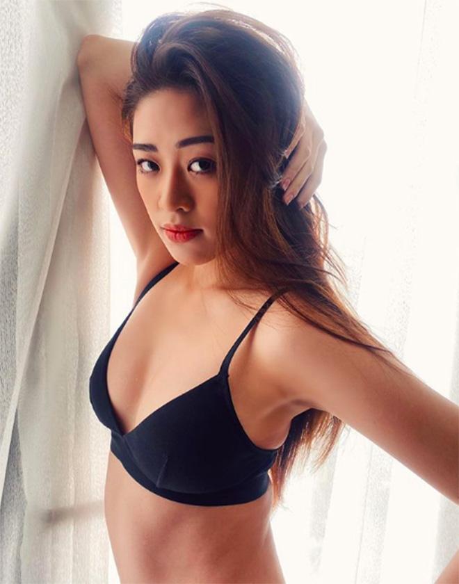 Hoa hậu Khánh Vân khoe ảnh gợi cảm - Ảnh 1.